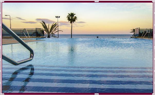 piscina-instalaciones-hotel-angela